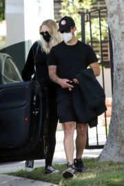 Pregnant Sophie Turner and Joe Jonas Out in Los Angeles 2020/06/20 1