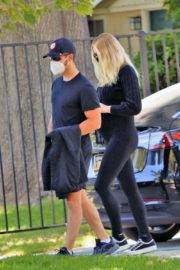 Pregnant Sophie Turner and Joe Jonas Out in Los Angeles 2020/06/20 10