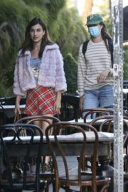 Rainey and Margaret Qualley and Madelaine Petsch Out for Dinner in West Hollywood 2020/06/13 3