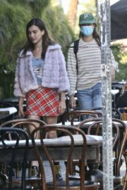 Rainey and Margaret Qualley and Madelaine Petsch Out for Dinner in West Hollywood 2020/06/13 10