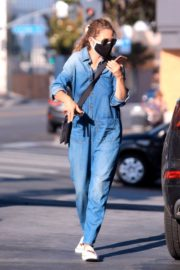 Rebecca Gayheart in Denim Overalls at Shake Shack in Los Angeles 2020/06/19 2