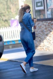 Rebecca Gayheart in Denim Overalls at Shake Shack in Los Angeles 2020/06/19 7
