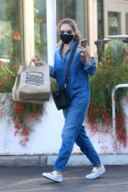 Rebecca Gayheart in Denim Overalls at Shake Shack in Los Angeles 2020/06/19 8