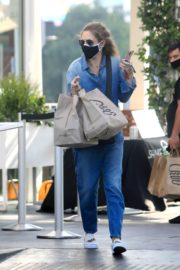 Rebecca Gayheart in Denim Overalls at Shake Shack in Los Angeles 2020/06/19 12