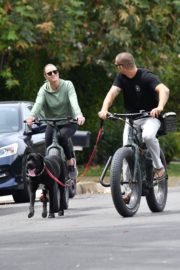 Robin Wright Enjoy Riding a Bike with her husband Clement Giraudet in Brentwood 2020/06/02 4