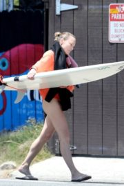 Robin Wright Surfing at a Beach in Malibu 2020/06/12 4