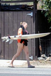 Robin Wright Surfing at a Beach in Malibu 2020/06/12 5