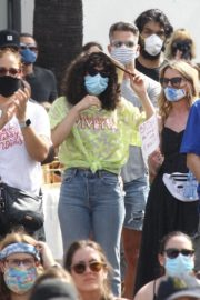 Rumer Willis at BLM Rally in West Hollywood 2020/06/19 4