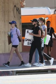 Sara Sampaio and Juliana Herz at a Protest in Los Angeles 2020/06/06 1