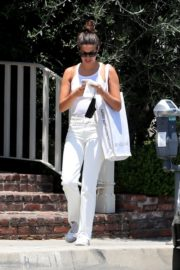 Sara Sampaio Out and About in West Hollywood 2020/06/12 1