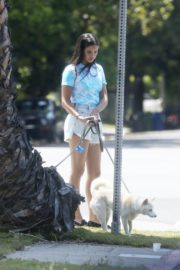 Sara Sampaio Out with Her Dogs in Los Angeles 2020/06/04 2