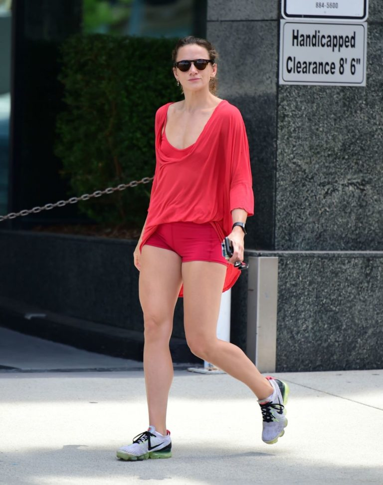 Shantel VanSanten Out and About in Los Angeles 2020/06/12 9