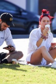 Sharna Burgess Relaxing at Bondi Beach 2020/05/29 7