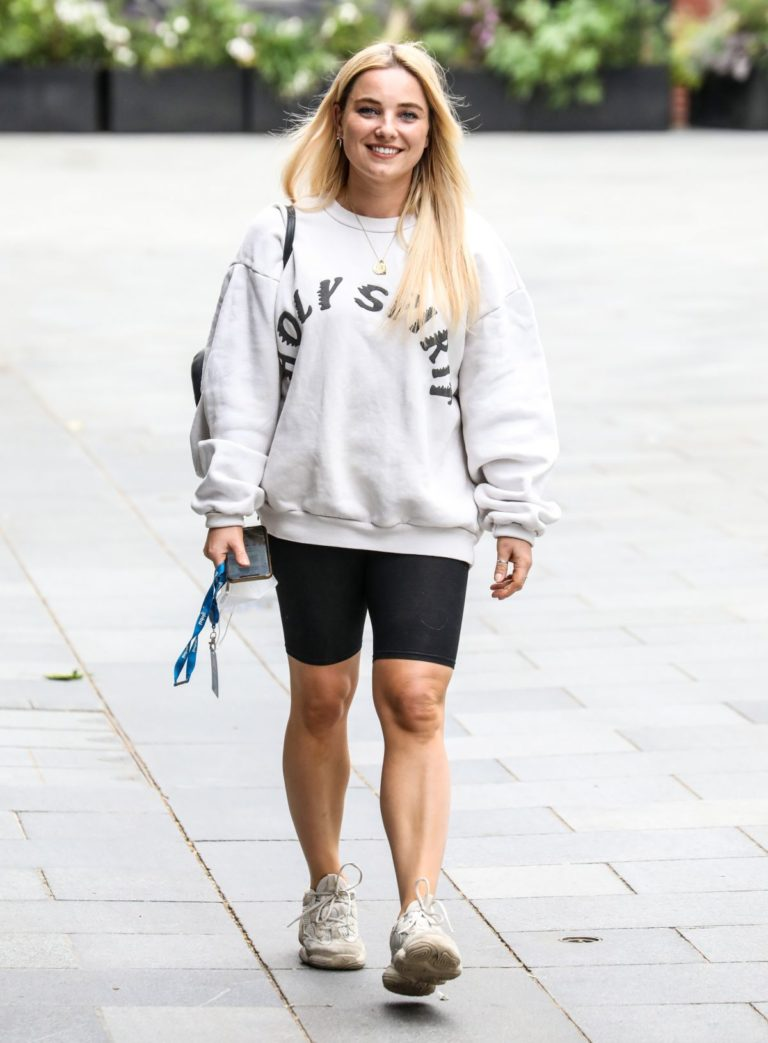 Sian Welby After Leaves Global Radio in London 2020/06/04 3
