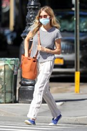 Sienna Miller Out and About in New York 2020/06/12 1
