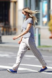 Sienna Miller Out and About in New York 2020/06/12 2
