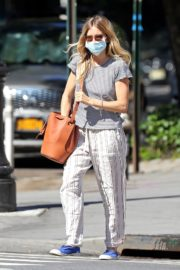 Sienna Miller Out and About in New York 2020/06/12 5