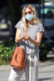 Sienna Miller Out and About in New York 2020/06/12 13