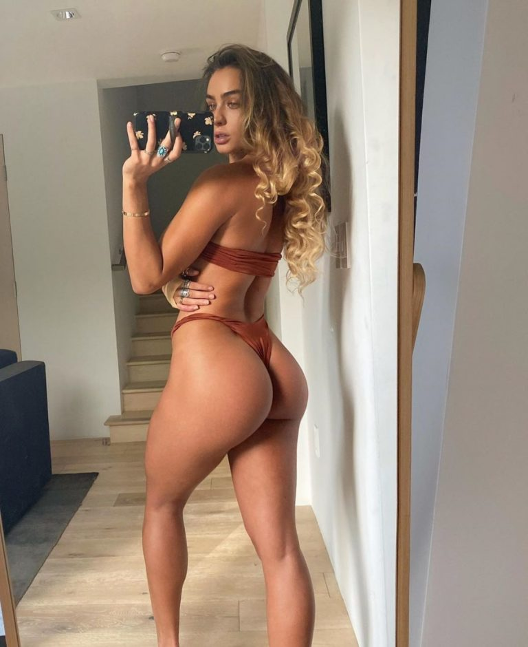 Sommer Ray on the Set of a Photoshoot Photos Shared in Instagram 2020/06/20 1