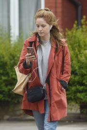 Sophie Rundle Out Shopping in London 2020/06/08 4