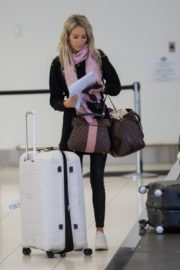 Stacey Hampton Out with Luggage in Melbourne 2020/05/31 1