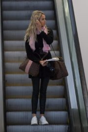 Stacey Hampton Out with Luggage in Melbourne 2020/05/31 2