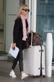 Stacey Hampton Out with Luggage in Melbourne 2020/05/31 8