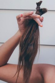 Taylor Hill Cut Her Hair Photos Shared in Instagram 2020/06/20 2