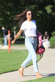 Terri Seymour Out at a Park in Beverly Hills 2020/06/19 2
