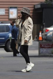 Vanessa Hudgens Out for Coffee in Los Angeles 2020/06/06 3