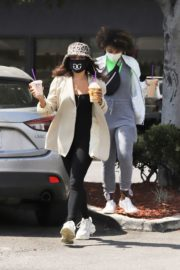 Vanessa Hudgens Out for Coffee in Los Angeles 2020/06/06 5