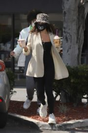 Vanessa Hudgens Out for Coffee in Los Angeles 2020/06/06 6