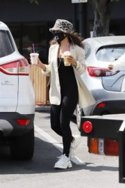 Vanessa Hudgens Out for Coffee in Los Angeles 2020/06/06 11