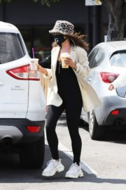 Vanessa Hudgens Out for Coffee in Los Angeles 2020/06/06 13