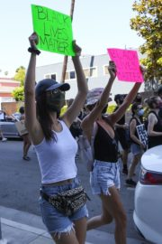 Victoria Justice and Madison Reed Join a Black Lives Matter Protest in Los Angeles 2020/06/03 5