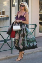 Victoria Silvstedt Out Shopping in Saint Tropez 2020/05/31 1