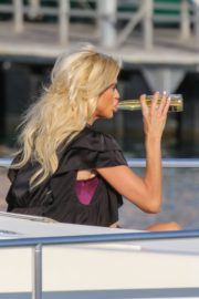 Victoria Silvstedt Out Shopping in Saint Tropez 2020/05/31 2