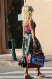 Victoria Silvstedt Out Shopping in Saint Tropez 2020/05/31 10