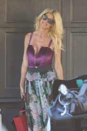 Victoria Silvstedt Out Shopping in Saint Tropez 2020/05/31 12