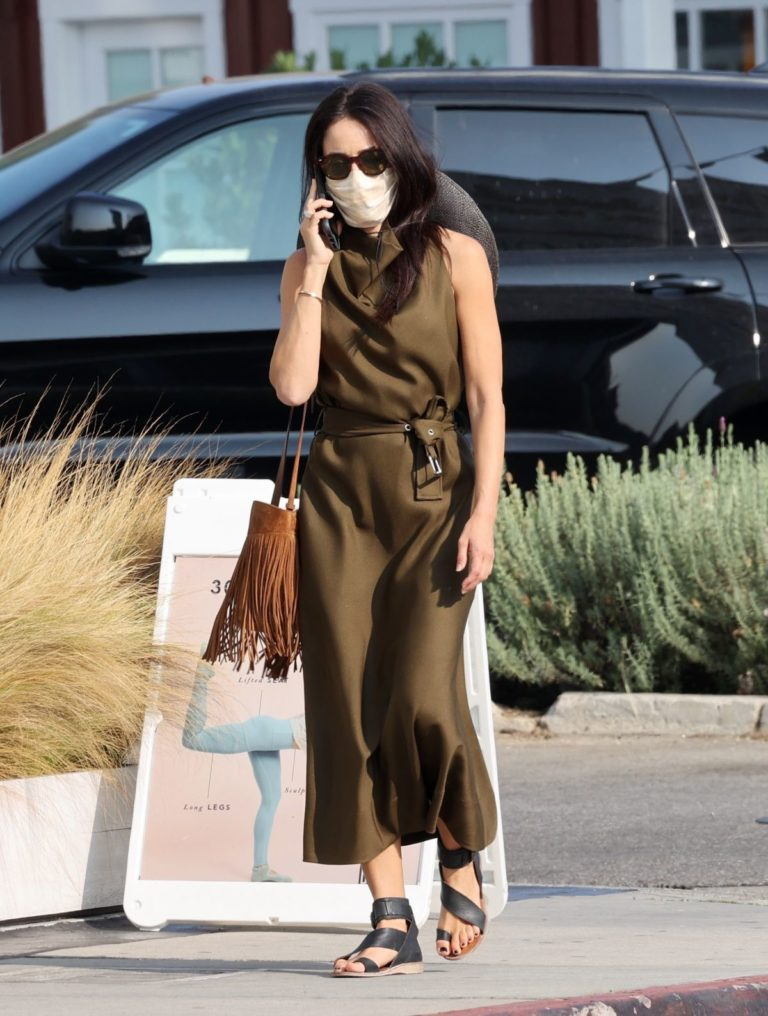 Abigail Spencer Out and About in Brentwood 2020/09/17 5