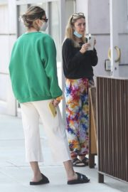 Amelia Gray and Delilah Belle Hamlin at  Comoncy Cafe in Beverly Hills 2020/09/21 1