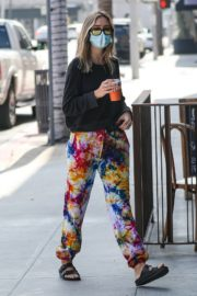 Amelia Gray and Delilah Belle Hamlin at Comoncy Cafe in Beverly Hills 2020/09/21 8