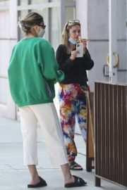 Amelia Gray and Delilah Belle Hamlin at Comoncy Cafe in Beverly Hills 2020/09/21 9
