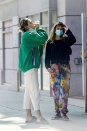 Amelia Gray and Delilah Belle Hamlin at Comoncy Cafe in Beverly Hills 2020/09/21 10