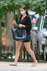 ANNE HATHAWAY Out and About in New York 09/17/2020 1