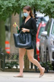 ANNE HATHAWAY Out and About in New York 09/17/2020 2