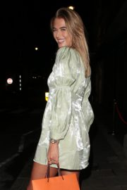 Arabella Chi Leaves IT Restaurant in London 2020/09/22 2