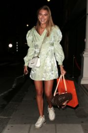 Arabella Chi Leaves IT Restaurant in London 2020/09/22 6