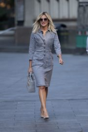 Ashley Roberts Arrives at Global Radio in London 2020/09/22 3