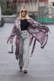 Ashley Roberts Arrives at Heart Radio in London 2020/09/23 1